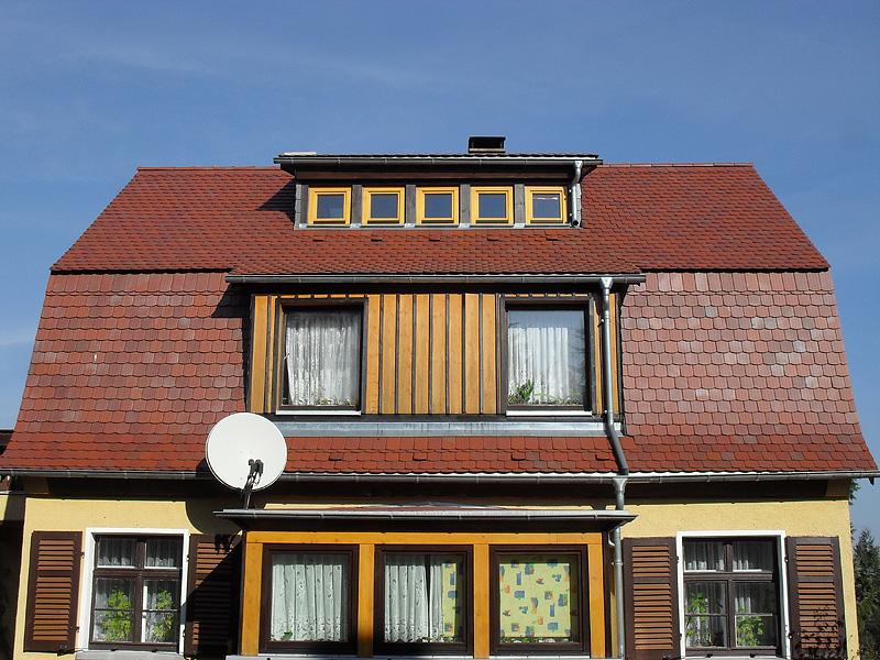 ziegeld cher ziegelbedachung vom dachdecker in oderwitz. Black Bedroom Furniture Sets. Home Design Ideas